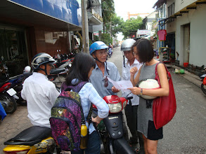 Photo: Can Tho preparing field trip in the city means negotiating with motor drivers