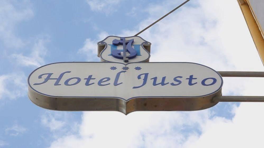 Hotel Oca Justo
