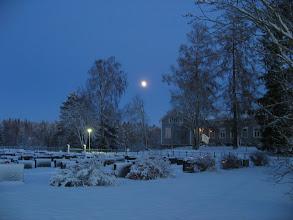 Photo: Sininen hämärä hautausmaalla 07.01.2012