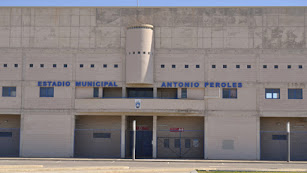 Fachada del Estadio Antonio Peroles.