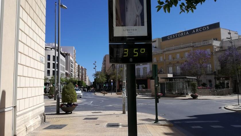Termómetro en la Puerta Purchena.