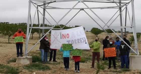 Molinos contra enanos: Vecinos de Tíjola y Lúcar recurren tres parques eólicos