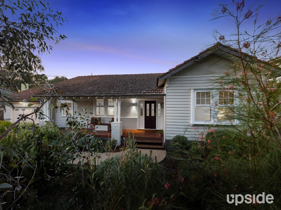 Main photo of property at 20 Ailsa Grove, Ivanhoe 3079