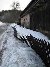 Photo: Zima 2011/2012, prawie 30 stopni mrozu i mnóstwo śniegu. Nasz płot tego nie wytrzymał
