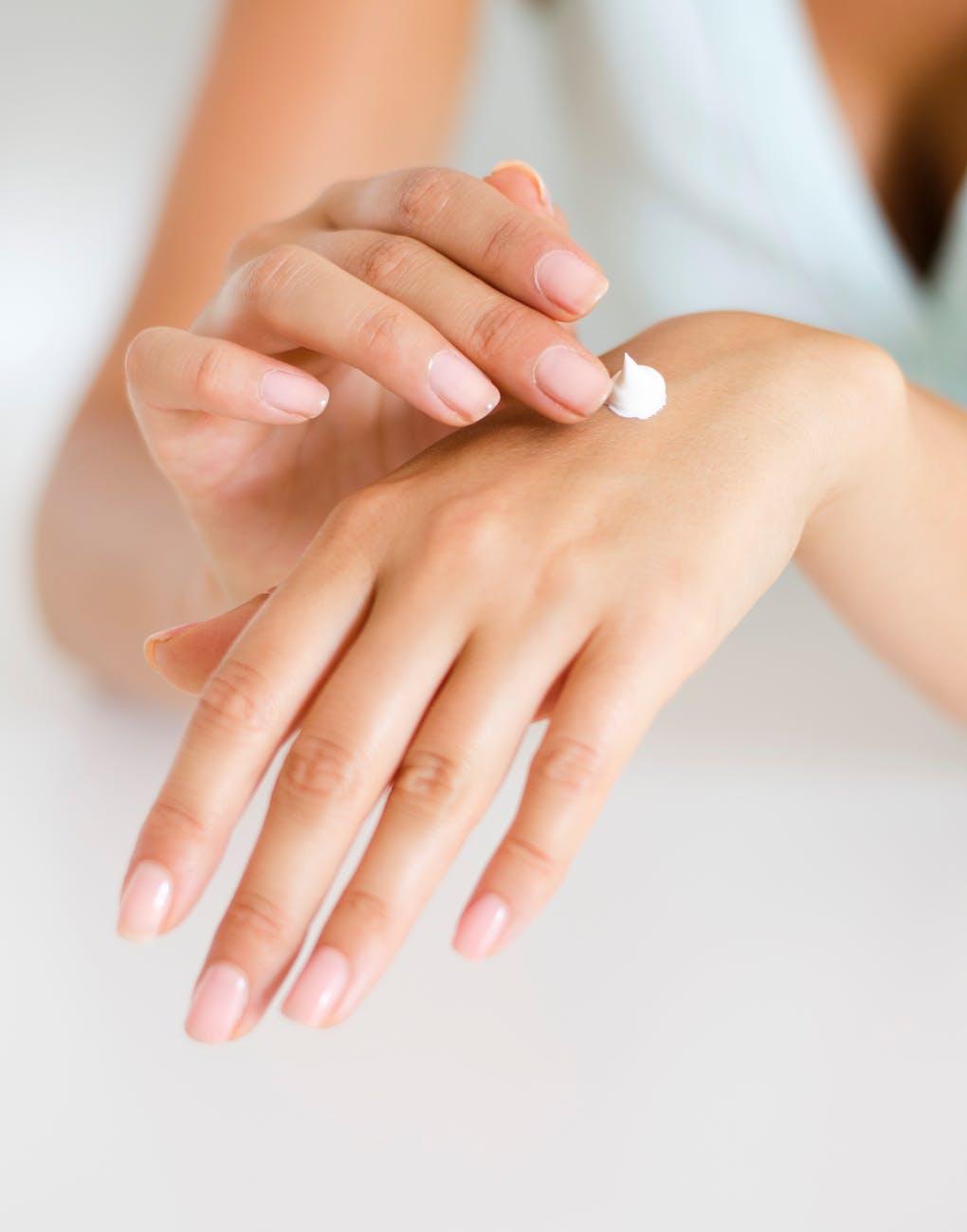 Sau khi nặn mụn có nên chườm đá không? Mẹo chăm sóc da sau nặn mụn không bị thâm 10