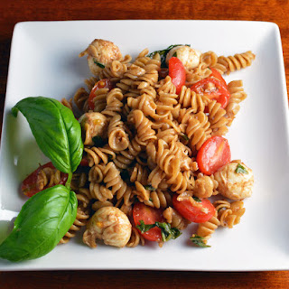 Whole Wheat Caprese Pasta Salad