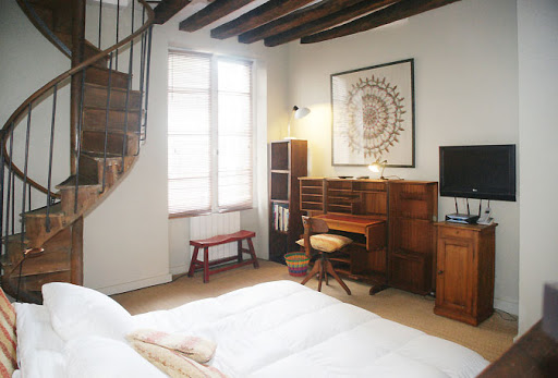 notre dame serviced apartment bedroom