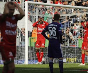 """""""In deze situatie is veel zwijgen het beste"""": Spelers nemen het op voor Francky Dury na 0 op 21 met Zulte Waregem, oefenmeester reageert"""