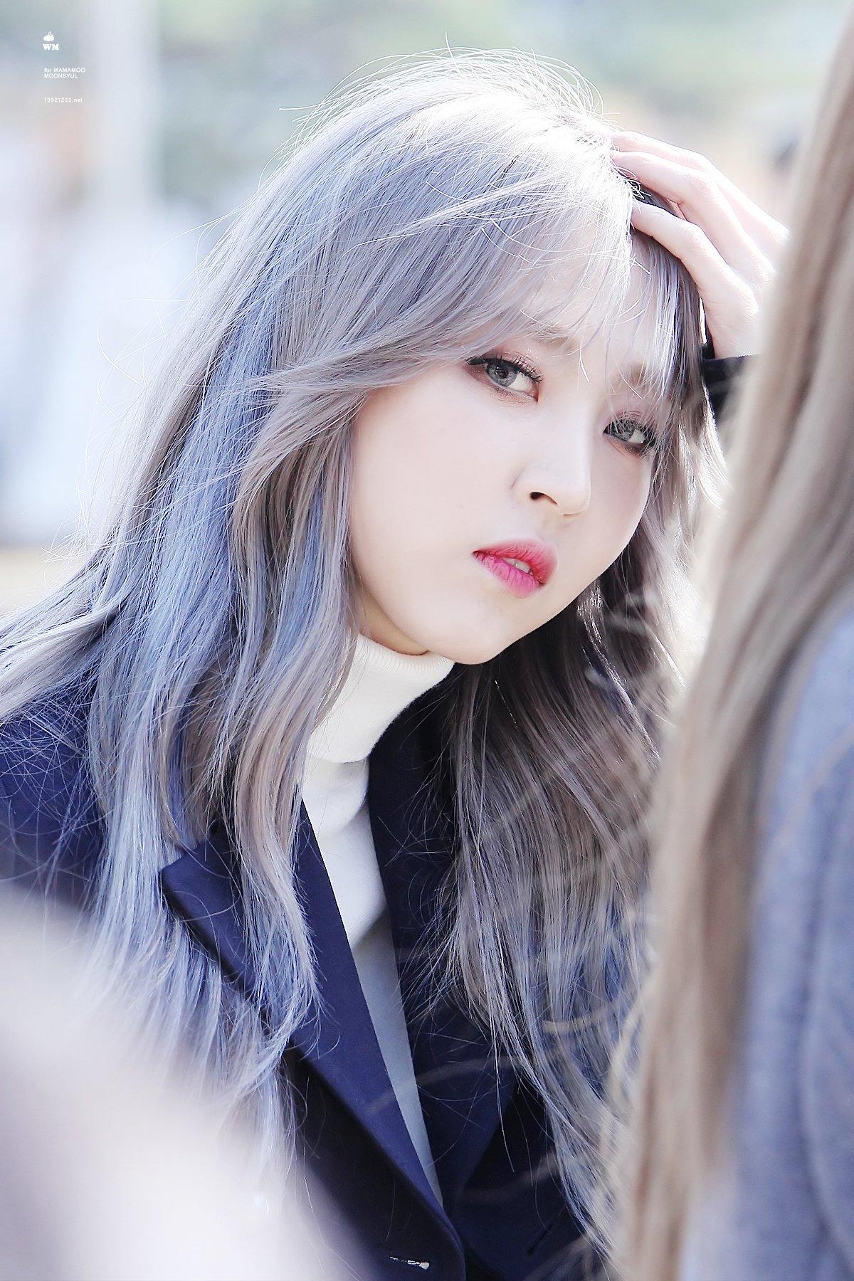 moonbyul gray hair
