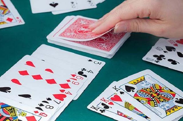 Kỹ thuật chuyển bài phỏm trong casino online giúp tăng cao cơ hội thắng