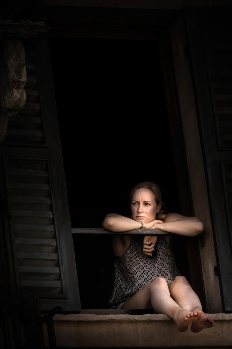 il balcone e la ragazza di AnUseless