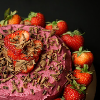 "Vegan Strawberry ""Buttercream"" Frosting"