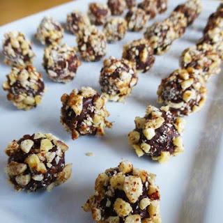 Faux Nutella Chocolate Hazelnut Truffles (Low Carb, Gluten-free)