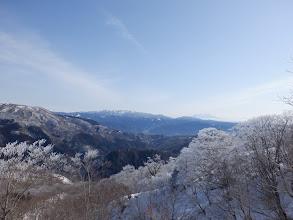 右に木曽御嶽山