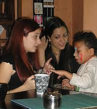 Photo: Camila (musa), Carla e um aspirante a fotógrafo
