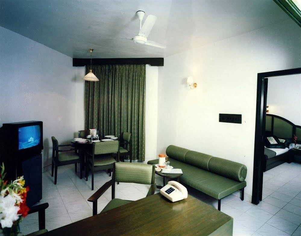 Hotel Ashish Plaza