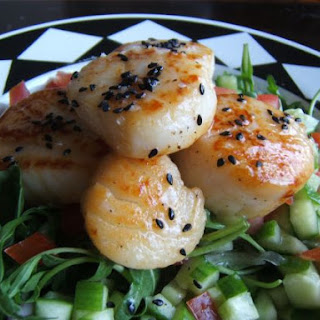 Pan Seared Scallops & Roquette salad