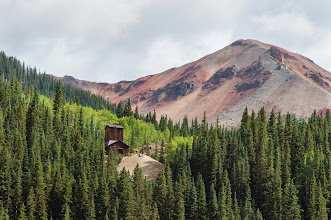 Photo: Mining shack and Red Mountain