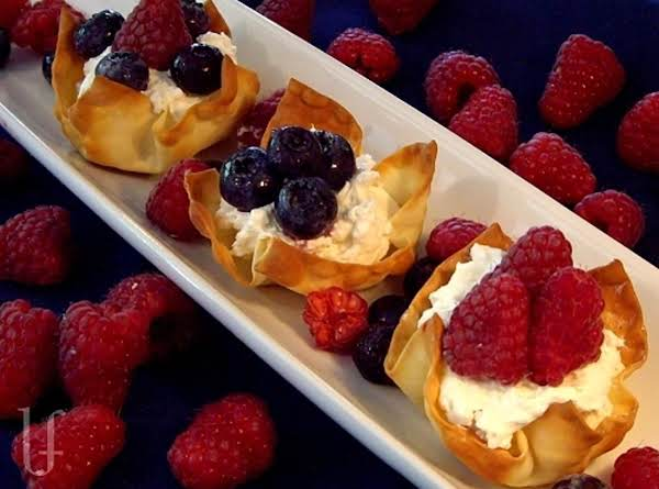 Cheesecake Tarts With Berries