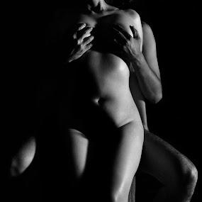 L'amore è ... amore artistico è la metà della vita l'arte by Roy Hasby - Nudes & Boudoir Artistic Nude