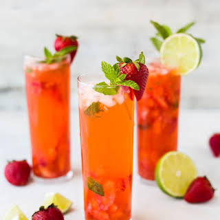Detox Water to Cleanse and Debloat.