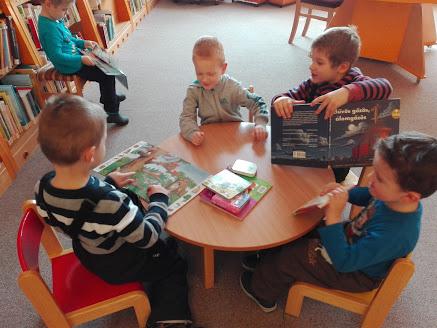 Verseghy Könyvtár - látogató gyerekek