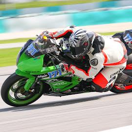 zx6r trackday by Eeezam Mon - Sports & Fitness Motorsports ( motorbike, motorsport, zx6r, ninja, sharkhelmets, kawasaki, trackday )