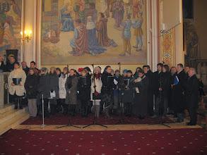 "Photo: liturgię Pasterki uświetnił chór ""Lira"""