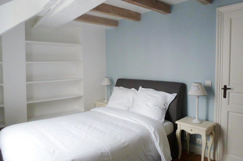 latin quarter serviced apartment bedroom