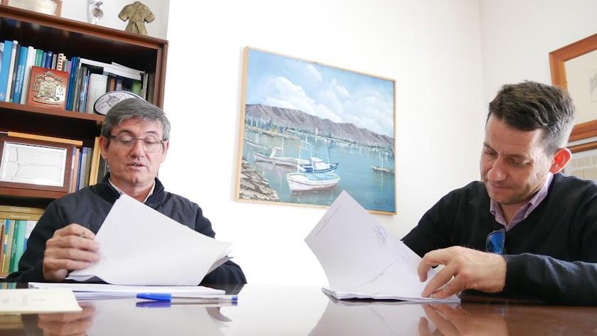 Firma de la licitación del proyecto \'Rincones con encanto\' en Adra.