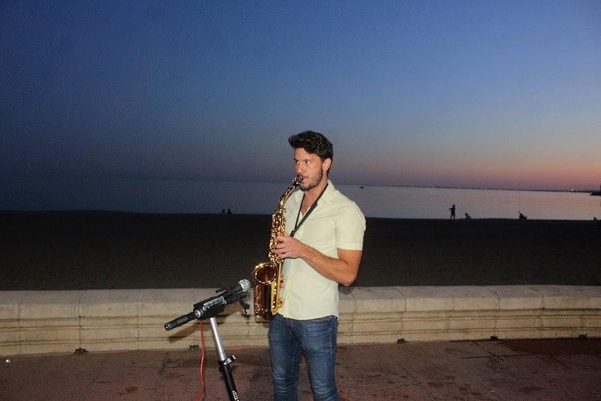 Música en vivo en el Paseo Marítimo.