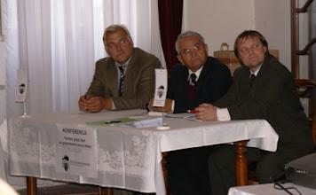 Photo: 04 Komisija, ki je oblikovala zaključke konference v sestavi od leve: Jožef Klinc, Peter Belšak (predsednik DgB), Jernej Golc