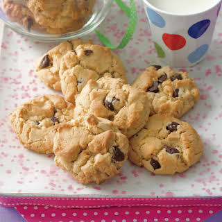 Peanut Butter and Chocolate Chip Cookies.