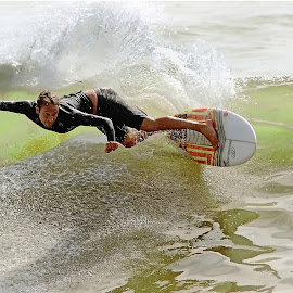 The waves by Gérard CHATENET - Sports & Fitness Surfing (  )