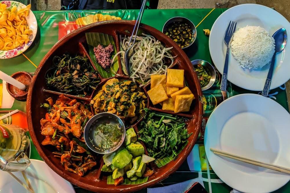shan+meal+sin+yaw+restaurant+nyaungshwe+town+inle+lake