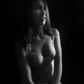 by Cahaya Photomedia - Black & White Portraits & People