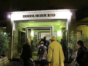 Photo: It.s4HR11-141006Sant'Agata, hôtel-restaurant O'Sole Mio, arrivée nocturne, entrée extérieure  IMG_5445