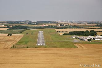 Photo: Final RWY 07 på Randers Flyveplads.