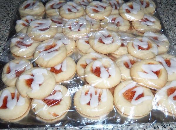 Rasberry Almond Shortbread Thumbprints Recipe