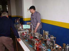 """Photo: Une belle table de construction de moteurs stirling. Ce sont des moteurs fonctionnant à """"air chaud"""""""