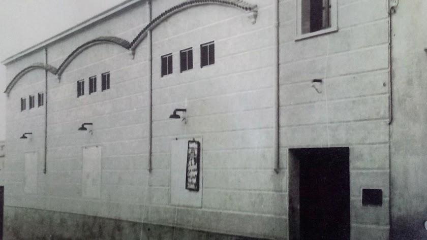 Exterior del cine.