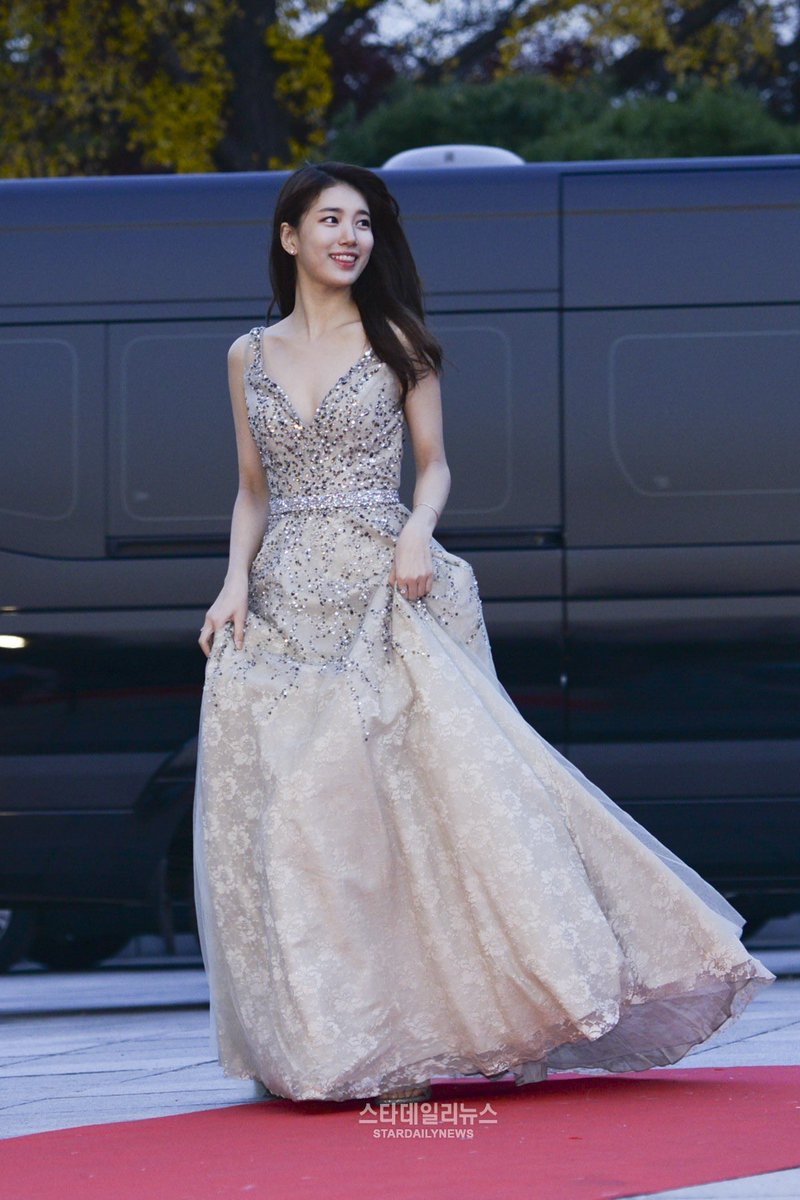suzy gown 8