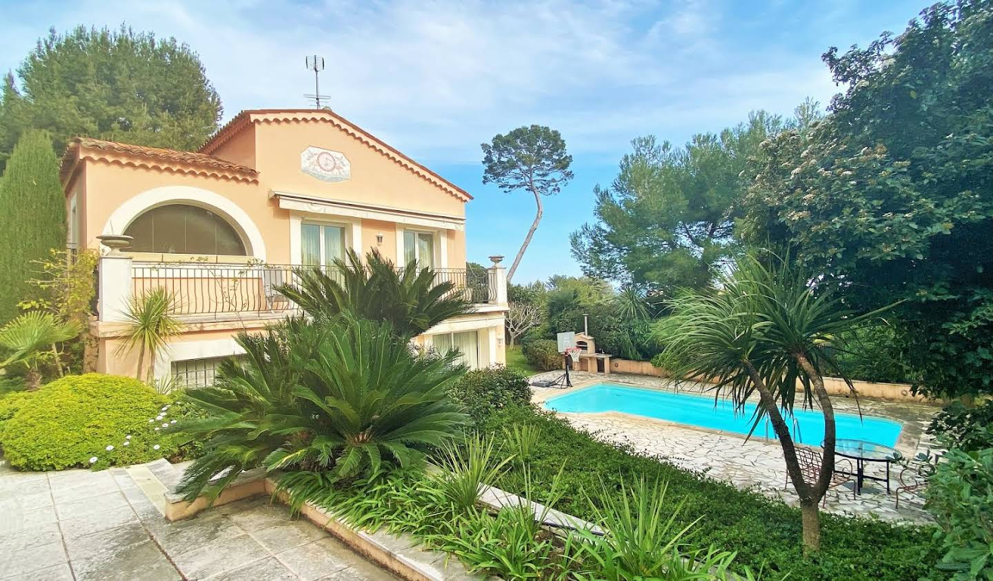 Villa with pool and garden Antibes
