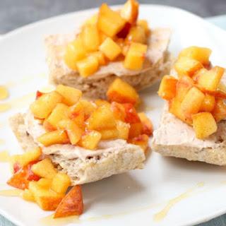 Fresh Peach Crostini with Cinnamon and Honey Recipe