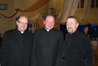 Photo: Trzej muszkieterowie; Ks. Roman Jagiełło (Kościół Polskokatolicki-od lewej) ks. Stanisław Pawul (Kościół Rzymskokatolicki-w środku), ks. Miron Michajłyszyn (Kościół Greckokatolicki-po prawej).
