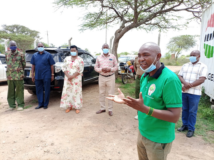 The CEO of We The Trees CBO Francis Kavisu speaking during the launch of the Greening Empty spaces inititive at Ndolo's Corner headquaters of Kitui West sub-county on Friday.