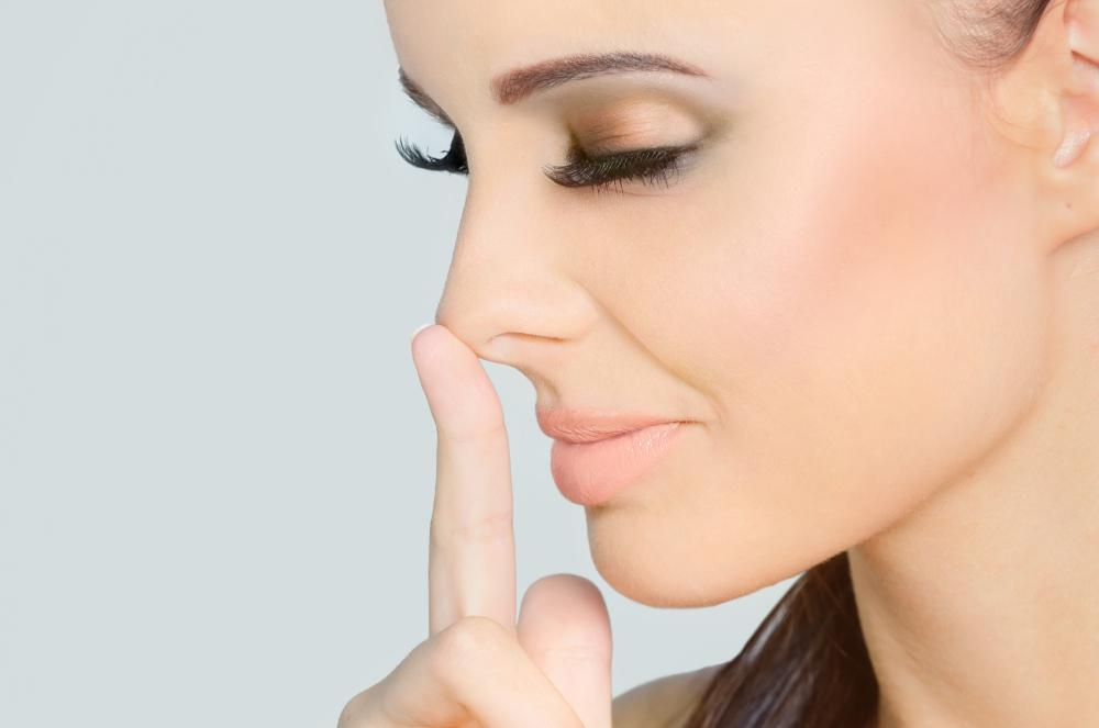 How to make your nose smaller without surgery? - FashionBustle