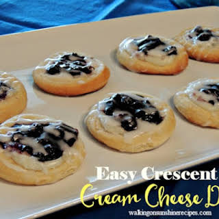 Easy Cream Cheese Danish Recipe with Crescent Rolls.