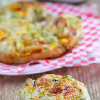3-Cheese Broccoli Pull-Apart Buns.