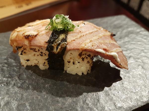 興丼壽司:附設停車場的日式料理